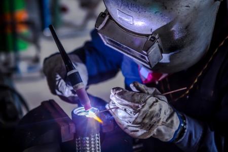 welder welding